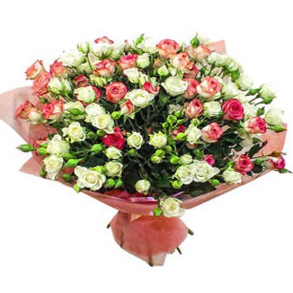 Сборный букет из 15 кустовых роз в фетре