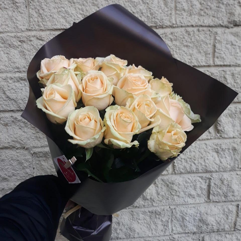 15 персиковых белорусских роз