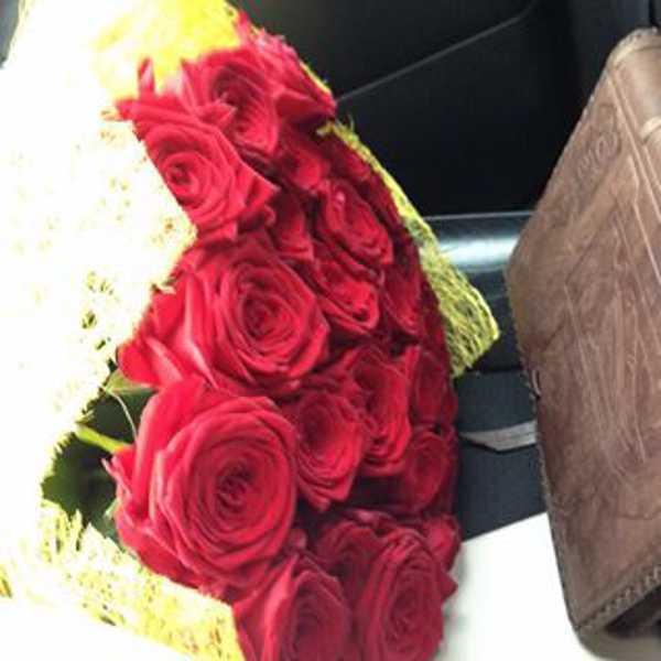 21 роза в упаковке