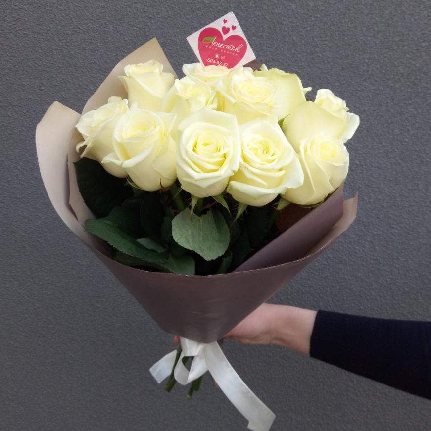 Букет из 11 белых белорусских роз
