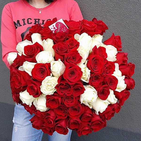 Букет из 71 розы на 30-летие