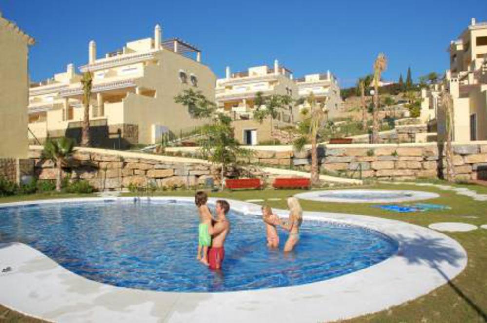 Colina del Paraiso, Apartment in New Golden Mile, Marbella, Spain