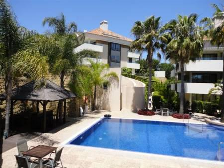 Los Monteros Park, Apartment available for Holiday Rental in Los Monteros, Marbella, Spain