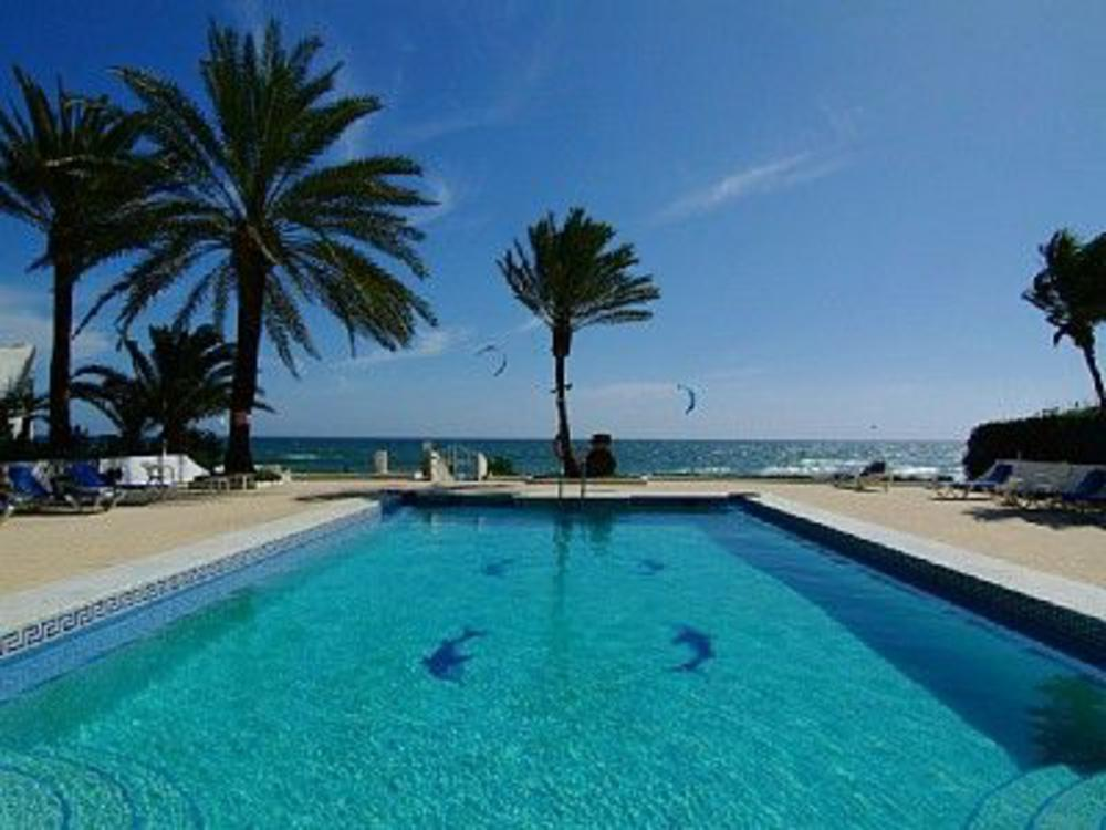 Oasis Club, Villa in Golden Mile, Marbella, Spain