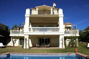 Villa Saffron