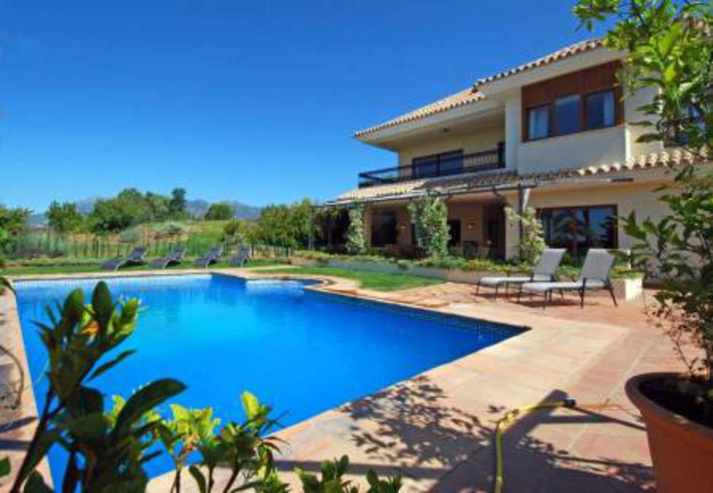 Villa del Gato, Villa in El Rosario, Marbella, Spain