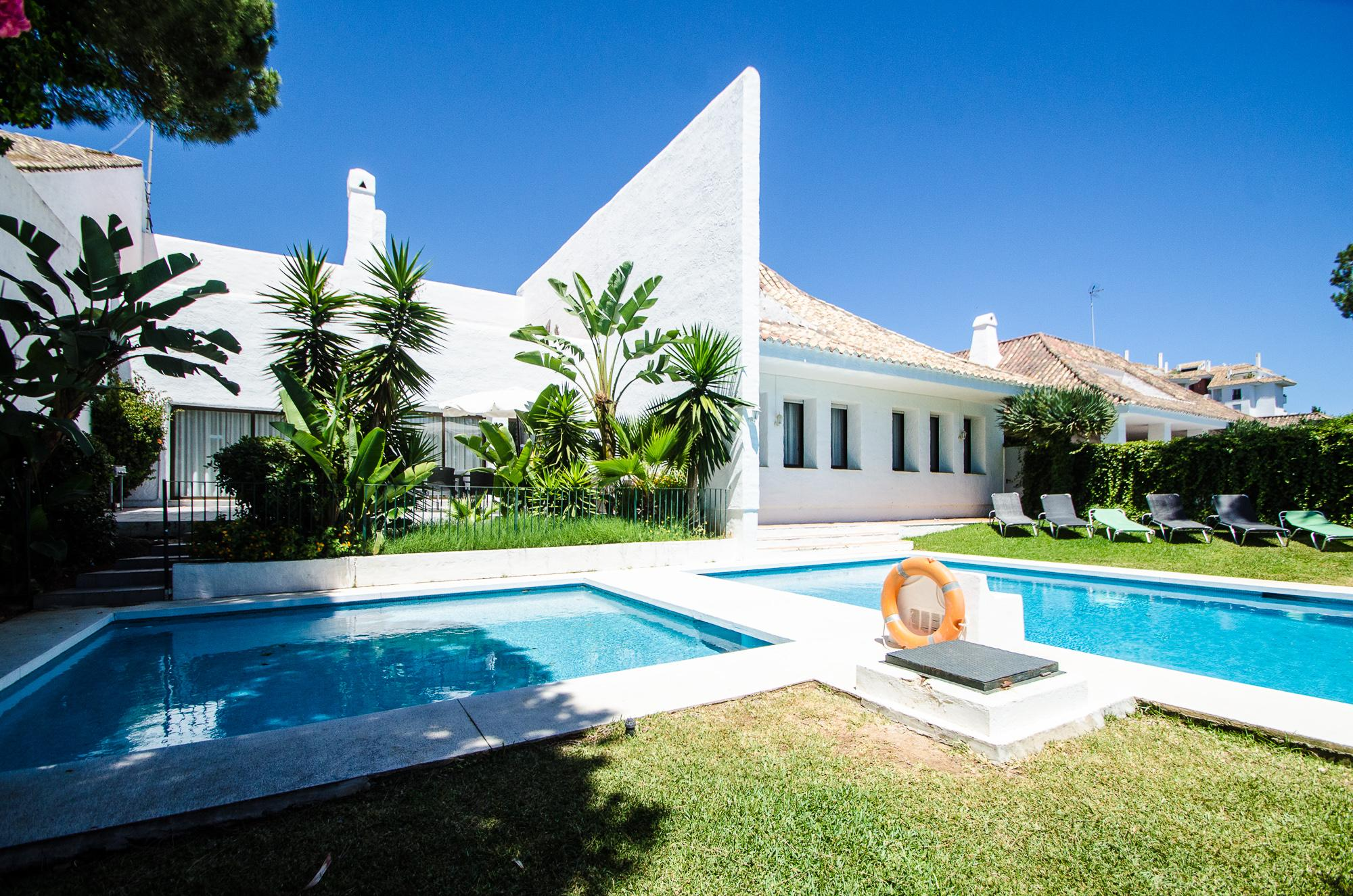 Villa Marina 5 bedrooms, Villa available for Holiday Rental in Puerto Banus, Marbella, Spain