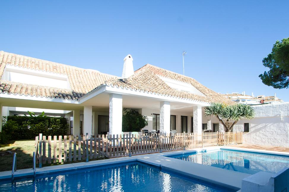Villa Marina  6 bedrooms, Villa available for Holiday Rental in Puerto Banus, Marbella, Spain