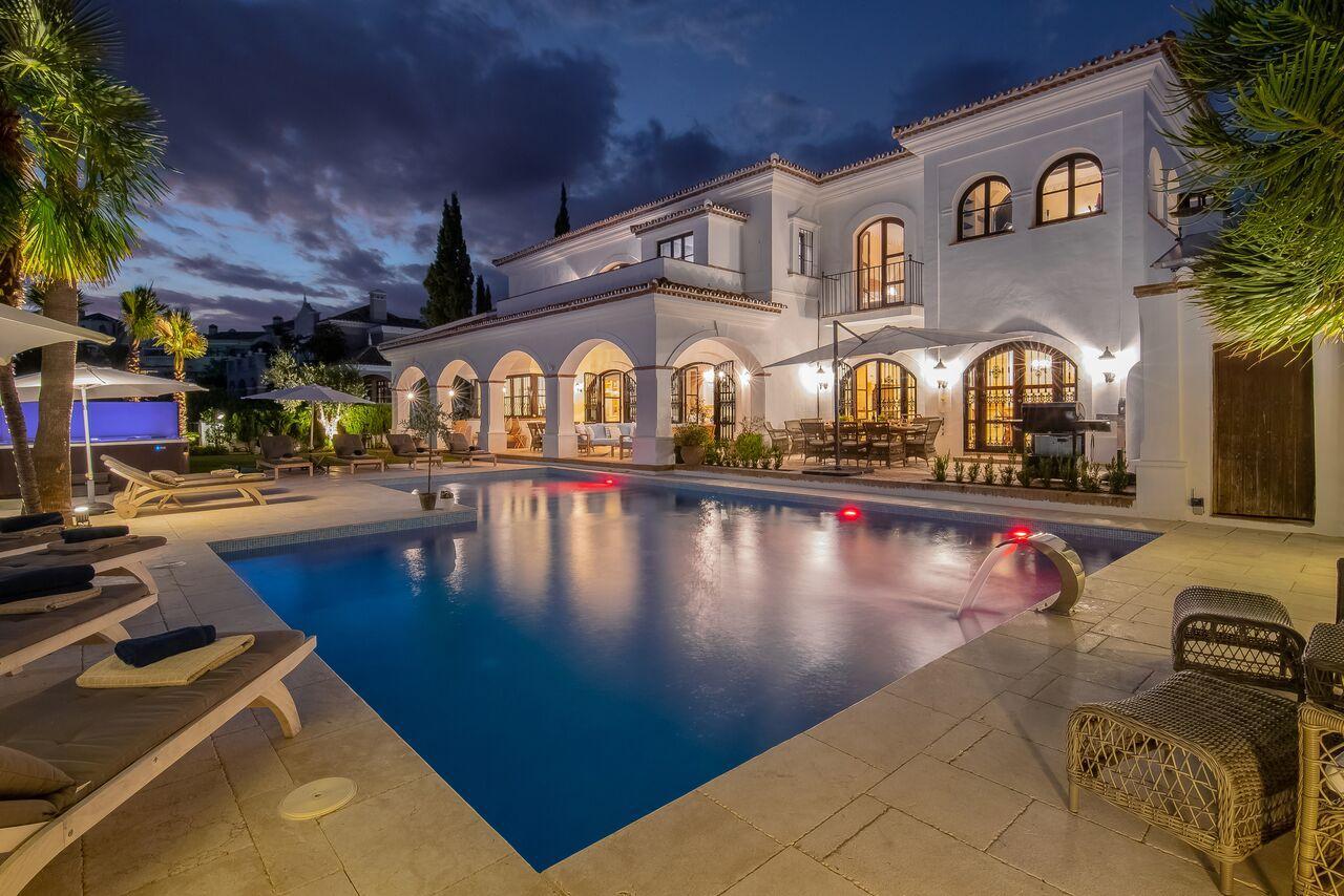 Villa Las Palmeras, Villa available for Holiday Rental in Elviria, Marbella, Spain