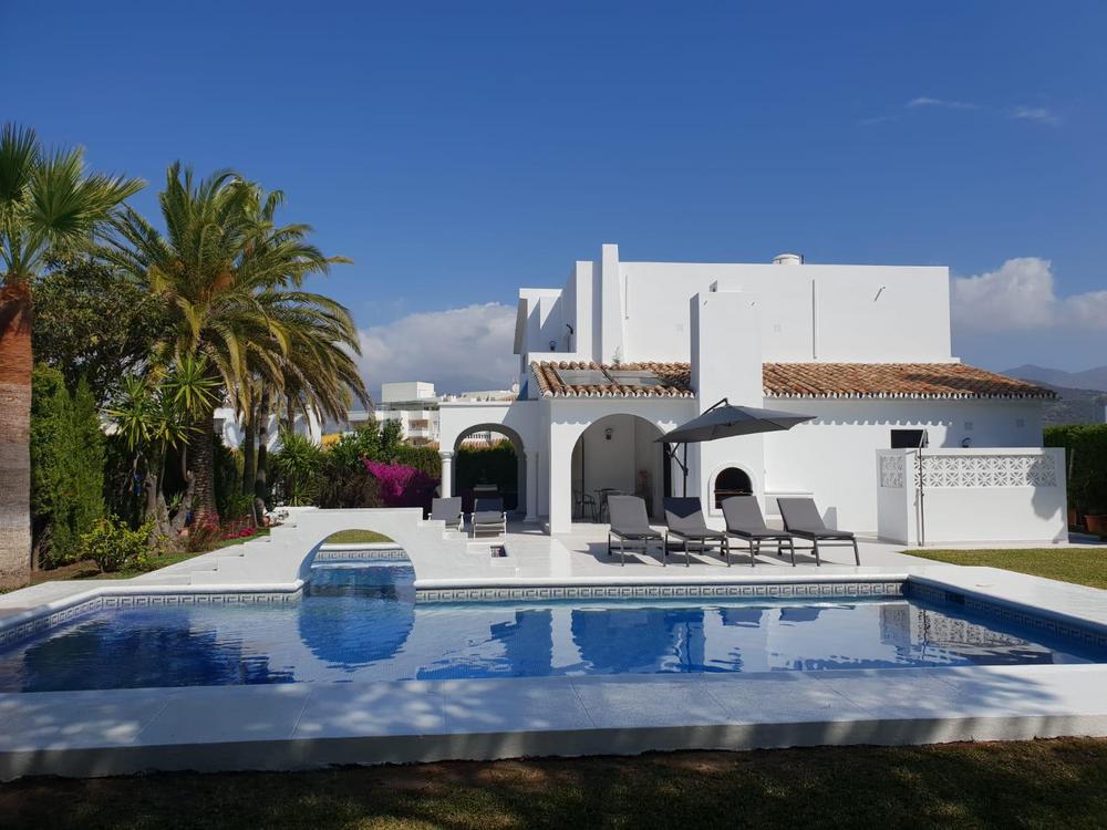 Villa Ljuba, Villa in Las Chapas, Marbella, Spain