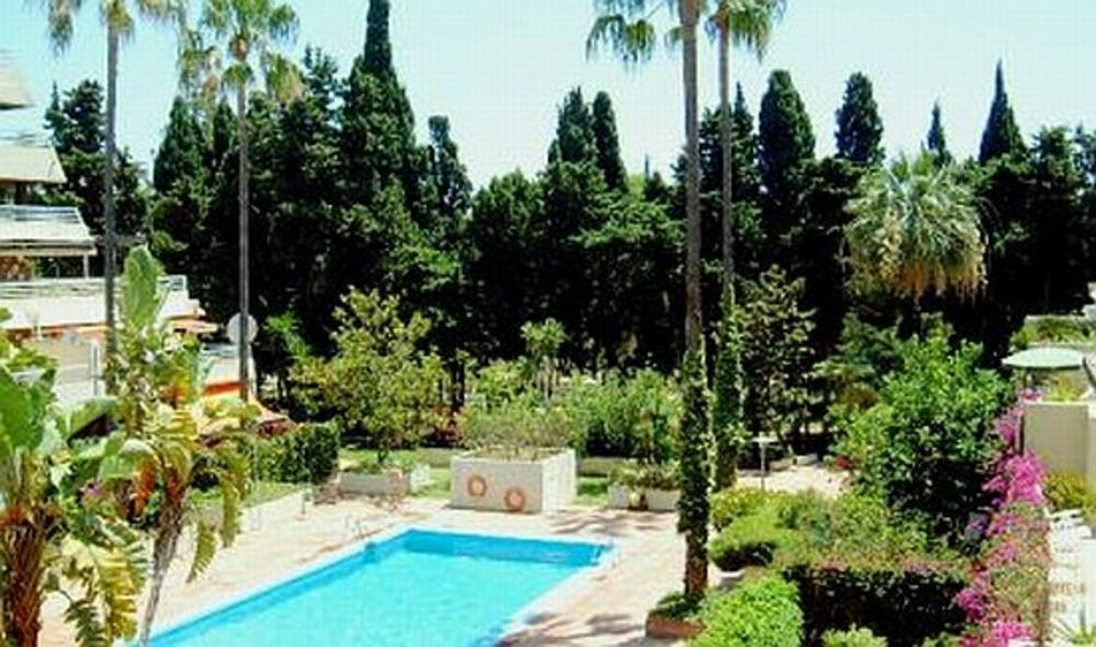 Casa Alegre, Apartment in Parque Marbella, Marbella, Spain