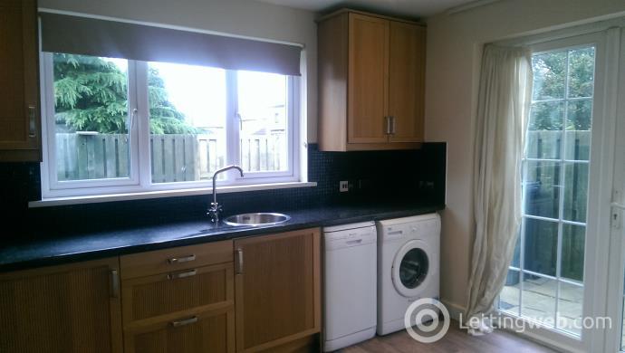 Property to rent in Barleyknowe Crescent, Gorebridge