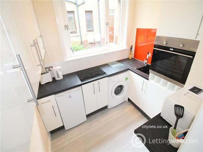Property to rent in 162 School Drive