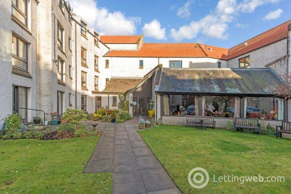 Property to rent in Argyle Court, St Andrews, Fife, KY16 9BW