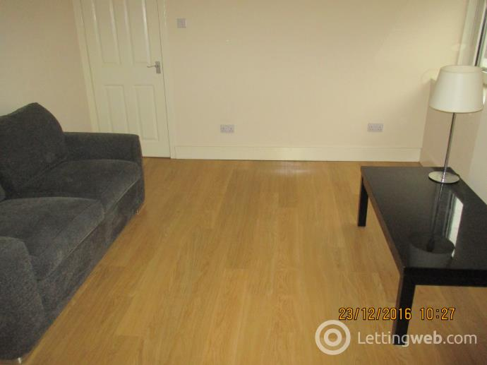Property to rent in Bridge Street