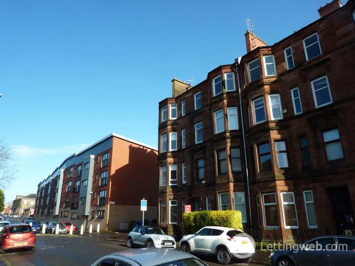Property to rent in Avenuepark Street
