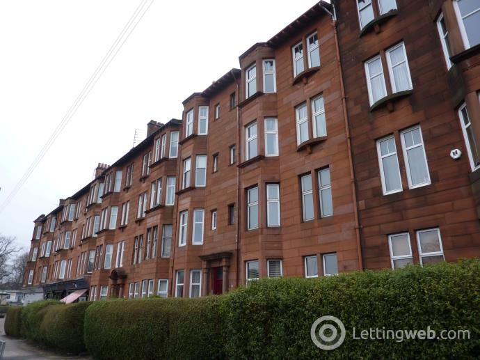 Property to rent in Crow Road