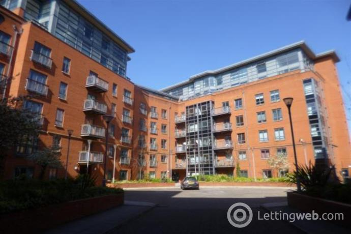 Property to rent in Lake House, Manchester