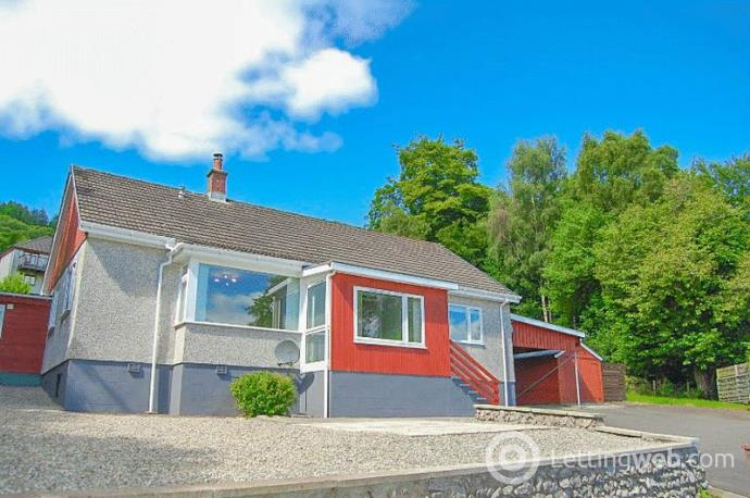 Property to rent in Shore Road, Clynder