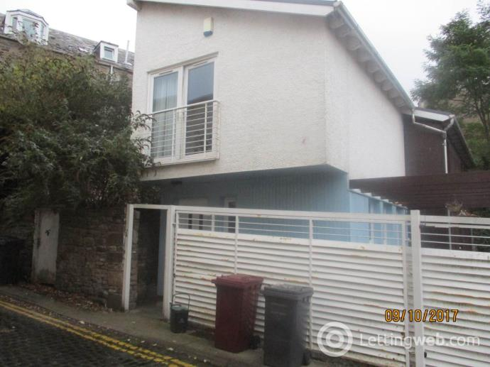 Property to rent in 2a Westfield Place,