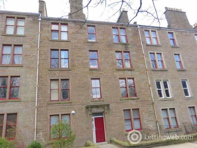Property to rent in 52 2/2 Roseangle,