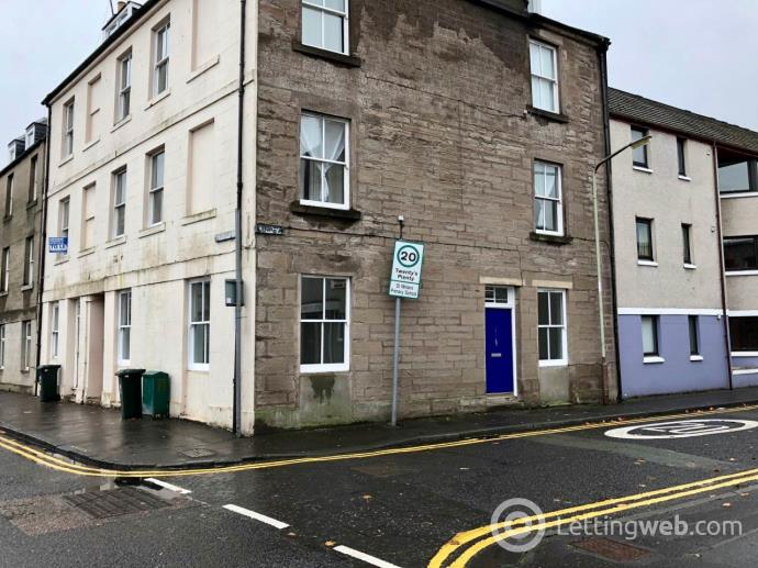 Property to rent in Low Street, Perth