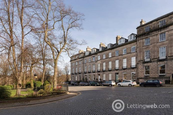 Property to rent in Circus Gardens, New Town