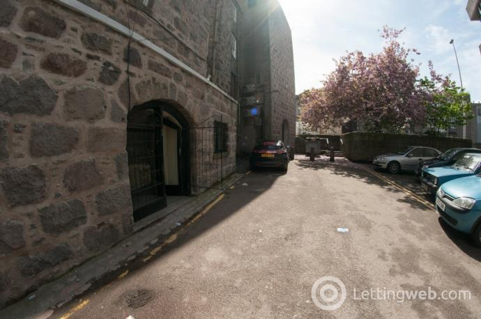 Property to rent in King Street