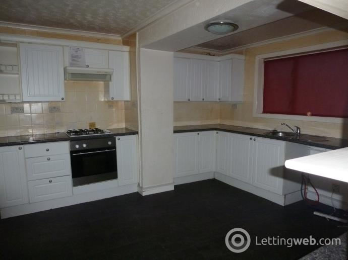 Property to rent in LOMOND PLACE