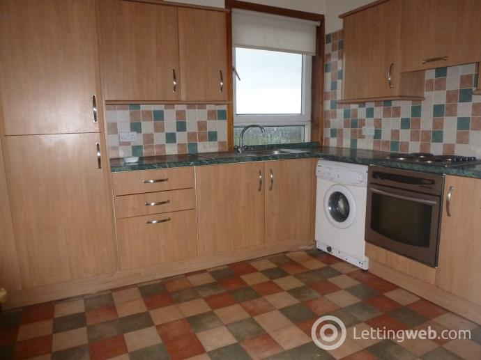 Property to rent in Broom Crescent