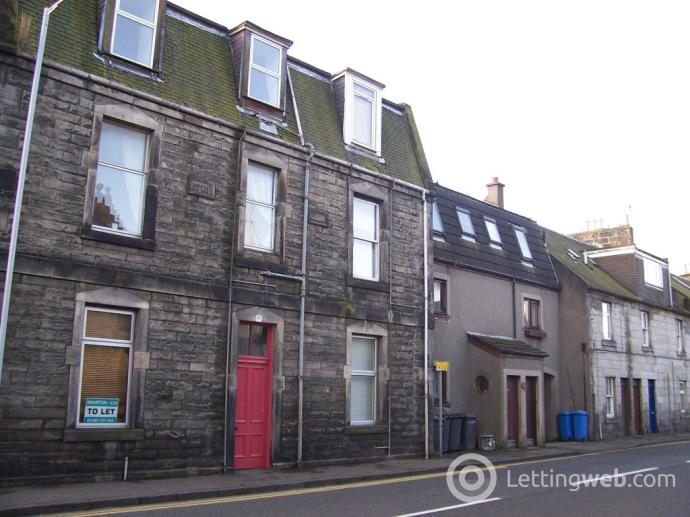 Property to rent in Priory Lane, Dunfermline