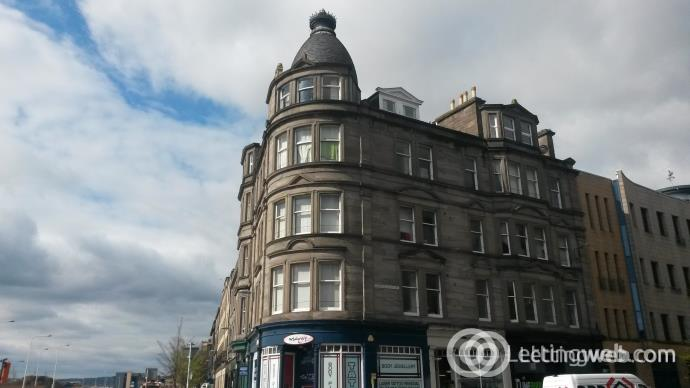 Property to rent in 39 Dock Street