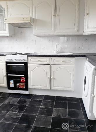 Property to rent in Seaton Place, Callendar, Falkirk, FK1 1TF