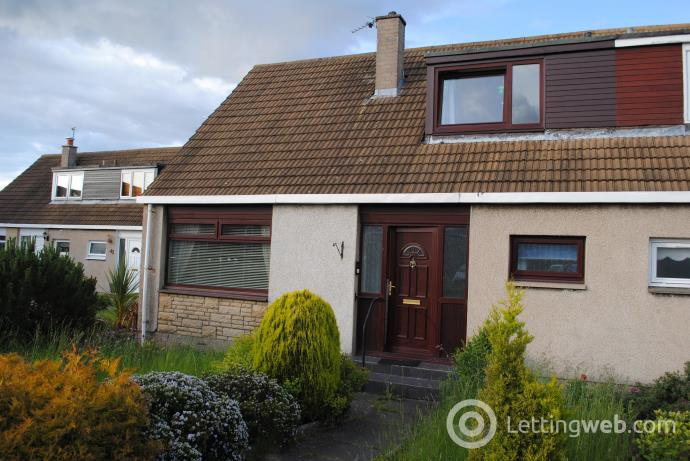 Property to rent in Stoneybank Avenue, Musselburgh