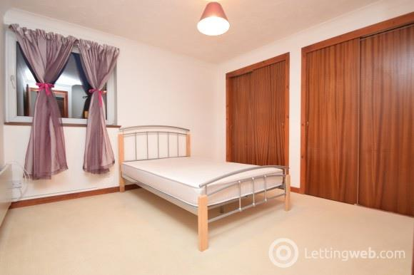Property to rent in Cromwell Court, City Centre