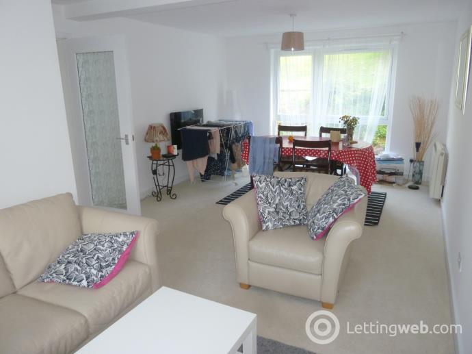 Property to rent in 10 Rosemount Court, Dumfries, DG2 7AQ