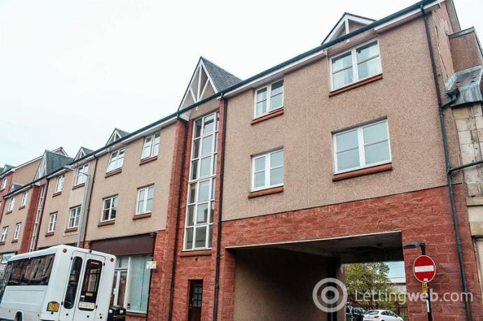 Property to rent in Candleriggs Court, Alloa