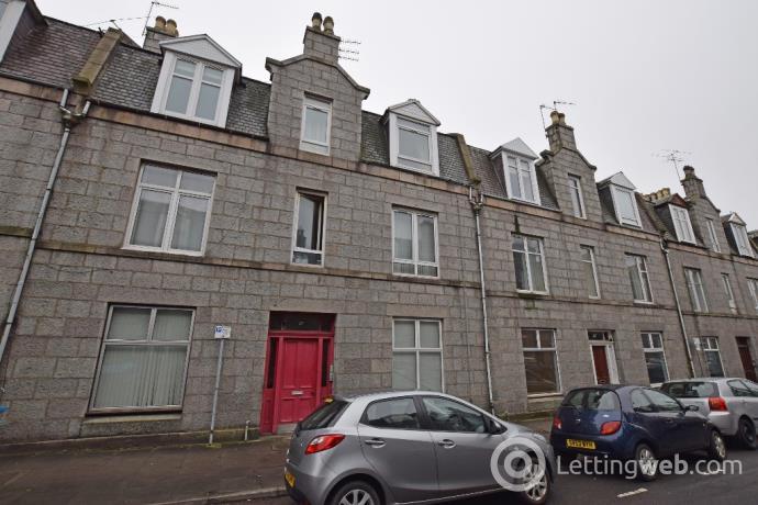 Property to rent in Wallfield Place, Rosemount, Aberdeen, AB25 2JR