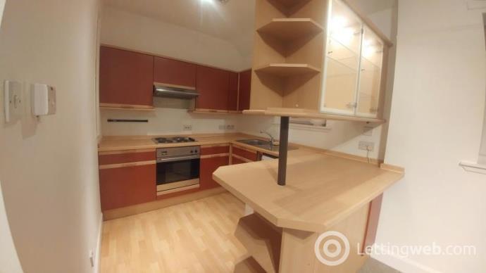Property to rent in 16 Bank Street, Galashiels, Scottish Borders, TD1 1EN