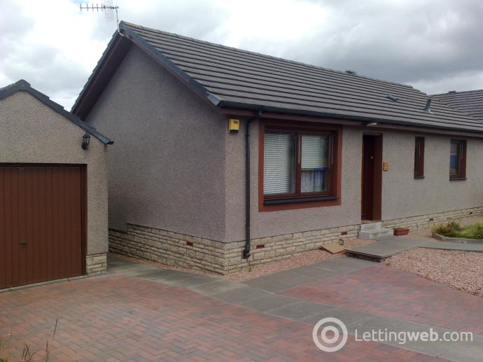 Property to rent in Hogarth Drive
