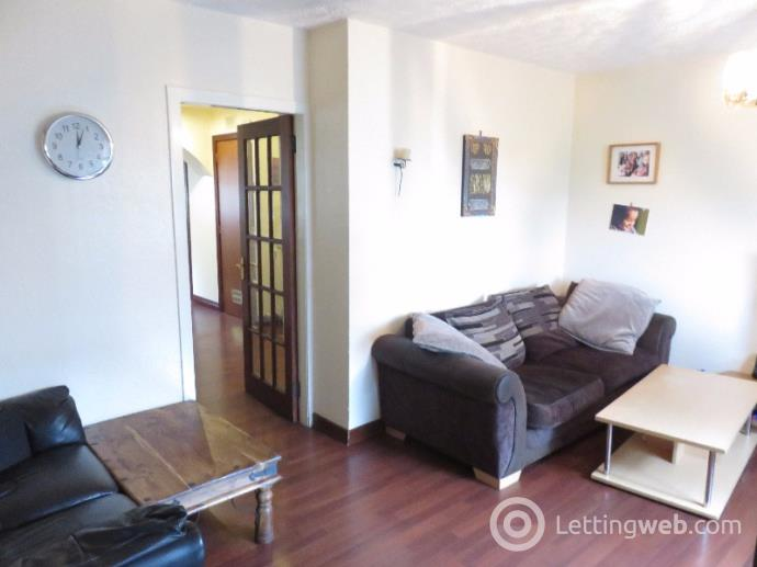 Property to rent in Cornhill Terrace, Aberdeen, AB16 5EW
