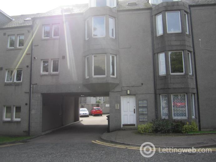 Property to rent in 21C Craigton Road, Aberdeen