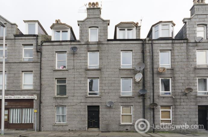 Property to rent in Leadside Road, SFR