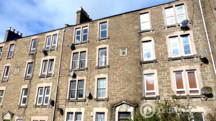Property to rent in 8 Forfar Road