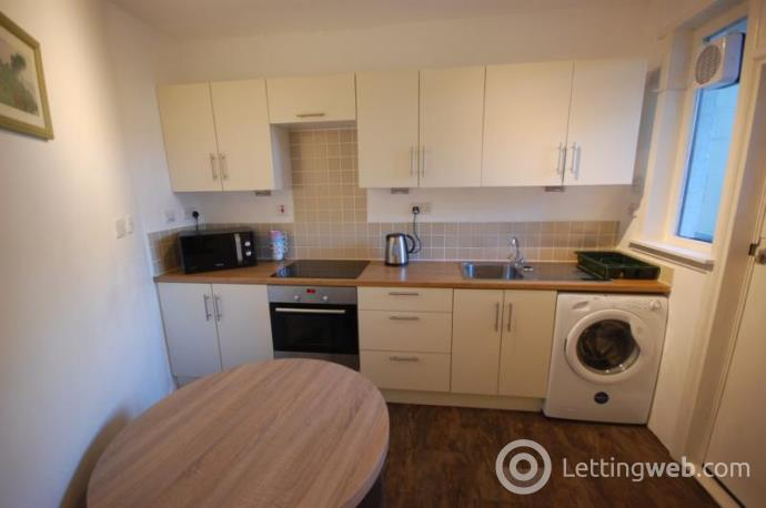 Property to rent in Park Road, Aberdeen, AB24 5NY