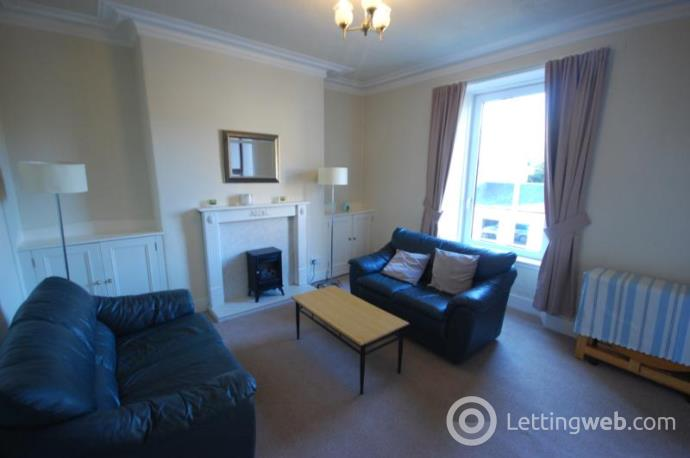 Property to rent in Chattan Place, Aberdeen, AB10