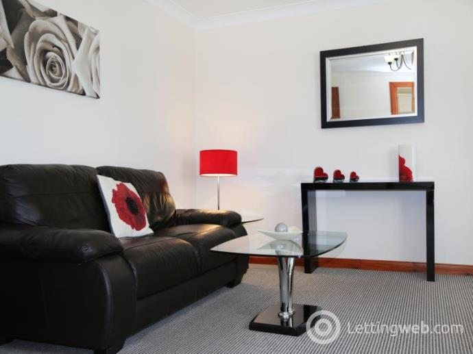 Property to rent in Claremont Place, Aberdeen, AB10