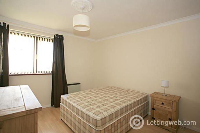 Property to rent in Oldcroft Place, Aberdeen, AB16