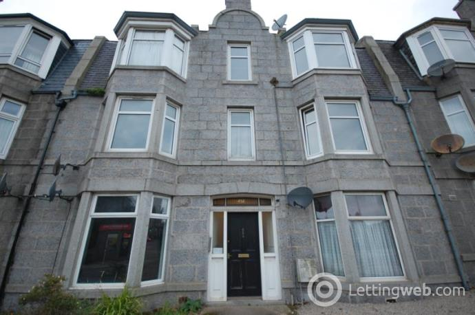 Property to rent in Holburn Street, Aberdeen, AB10 7PB