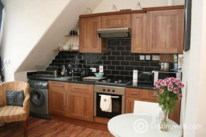 Property to rent in Bloomfield Road, Aberdeen, AB10 6AB